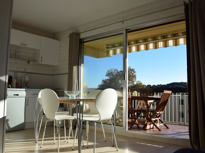Photo for Two-room-cabin with terrace, 800m from the beach