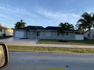Photo for Newly renovated and close to beach!