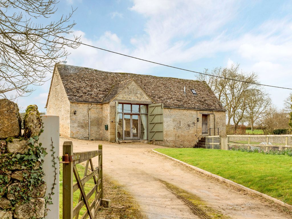 Barn Conversion moonlight barn: pretty cotswold barn conversion in little