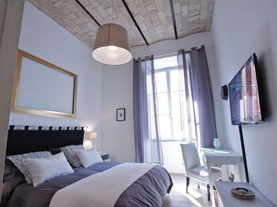 Photo for Clementina Home is very welcoming and nicely furnished, all modern comforts,only 900mt from Colosseo