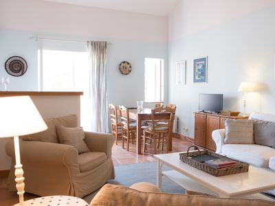 Photo for Charming self catering loft apartment   on wine estate with heated pool