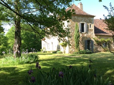 Photo for Beautiful family house in the heart of the Dordogne, swimming pool on 2.5 ha