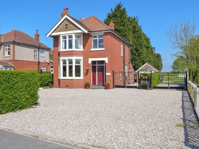 Photo for 3 bedroom accommodation in Poulton-le-Fylde