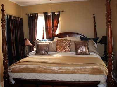 Master Tenor King Size Bedroom in Wishing Well Cottage Rental - 2012