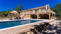 FAB U LOUS, property to a high standard, beautiful views, great pool.