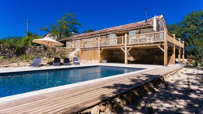 Photo for Stunning barn with south-facing views, exclusive pool, close to Saint Antonin