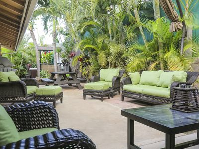 Private House 4BR🌺Family-Friendly,Walk to beach,eateries,park,shops,hot tub,AC