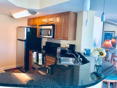 Stainless steel & granite kitchen; fully functional kitchen with all appliances.