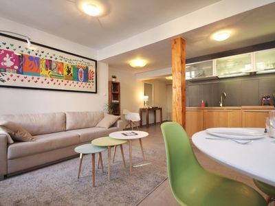 Photo for Flat Avignon center  / Wifi / Air conditioning / 1 bedroom / 4 guest