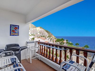 Photo for Beautifully Appointed Townhome Villa, Sweeping Ocean Views, Comp Golf Cart