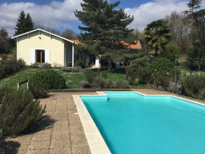 Photo for PROMOTION Bordeaux right bank, house with large pool and park '