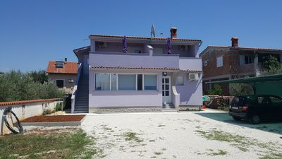 Photo for Apartment in the center of Peroj with Internet, Air conditioning, Parking, Terrace (705043)