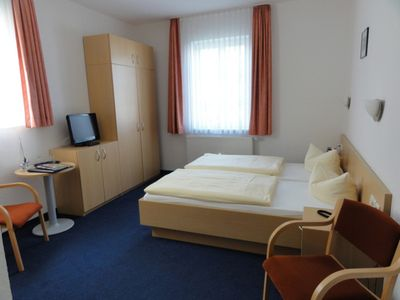 "Photo for DZ 12th Standard with City View - Hotel garni ""Meeresgruß"" ***"