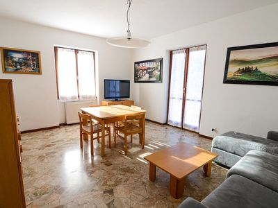 Photo for Valli apartment in Bellagio with private parking, shared garden & balcony.