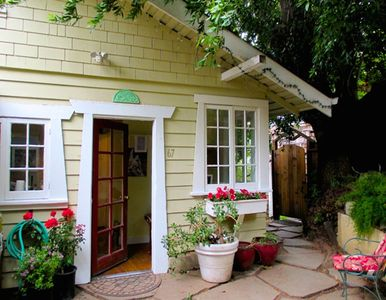 Photo for Charming Vintage 1910 Arts/ Crafts Cottage  w/View of Mt Tam, Walk to Town