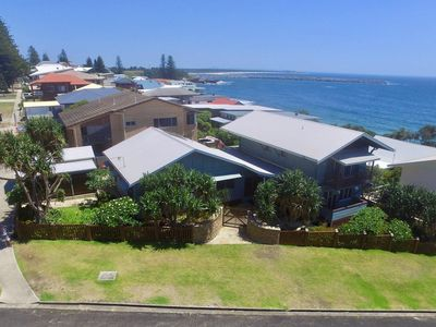 Photo for Allawah Cottage at Yamba opposite Lovers Point, Convent & Pippi Beach Yamba