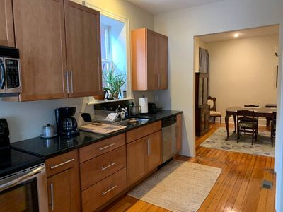 Photo for Spacious APT close to all major attractions - Walk to SLU Medical Campus
