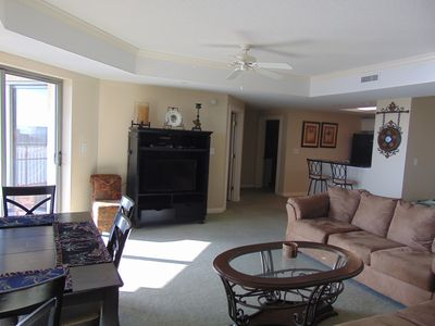 Photo for Kingston Royale Palms 22nd floor, great views, Free WIFI, low rates all year
