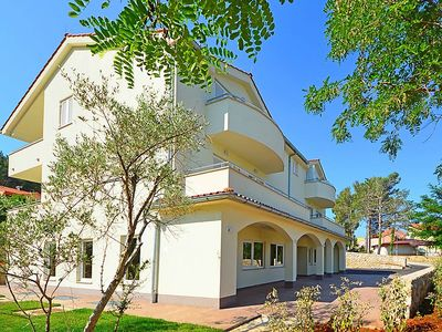 Photo for 2 bedroom Apartment, sleeps 5 in Soline with Air Con and WiFi