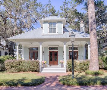 Photo for 5 BR VILLAGE HOME IN PALMETTO BLUFF WITH GUEST HOUSE- FEATURED IN COASTAL LIVING
