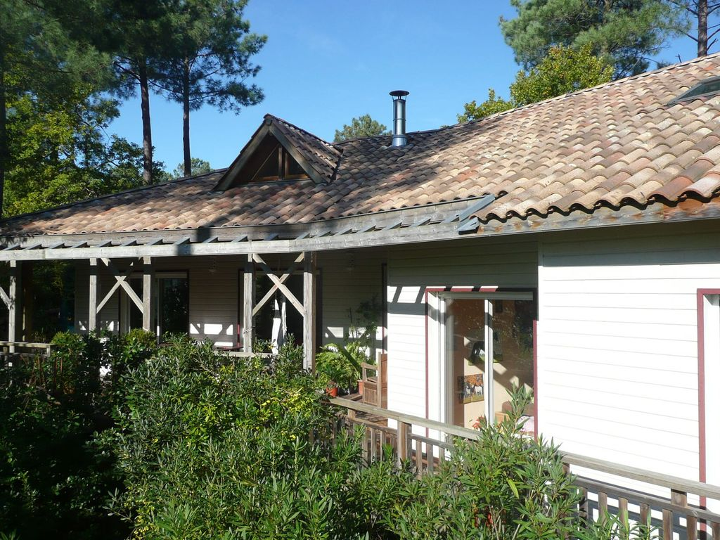 Very nice house built in wood biscarrosse landes for Very nice house