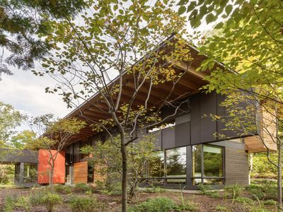 Photo for Modernist Haliburton Luxury: 4-season lakeside living with private hiking trails