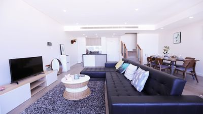 Spacious Full Function Living Room