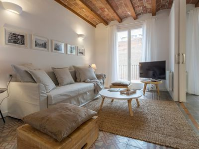 Photo for Lovely apartment next to Paseo de Gracia - One Bedroom Apartment, Sleeps 4