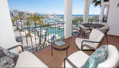 Photo for Luxury 2 Bedroom Apartment Overlooking Duquesa Marina