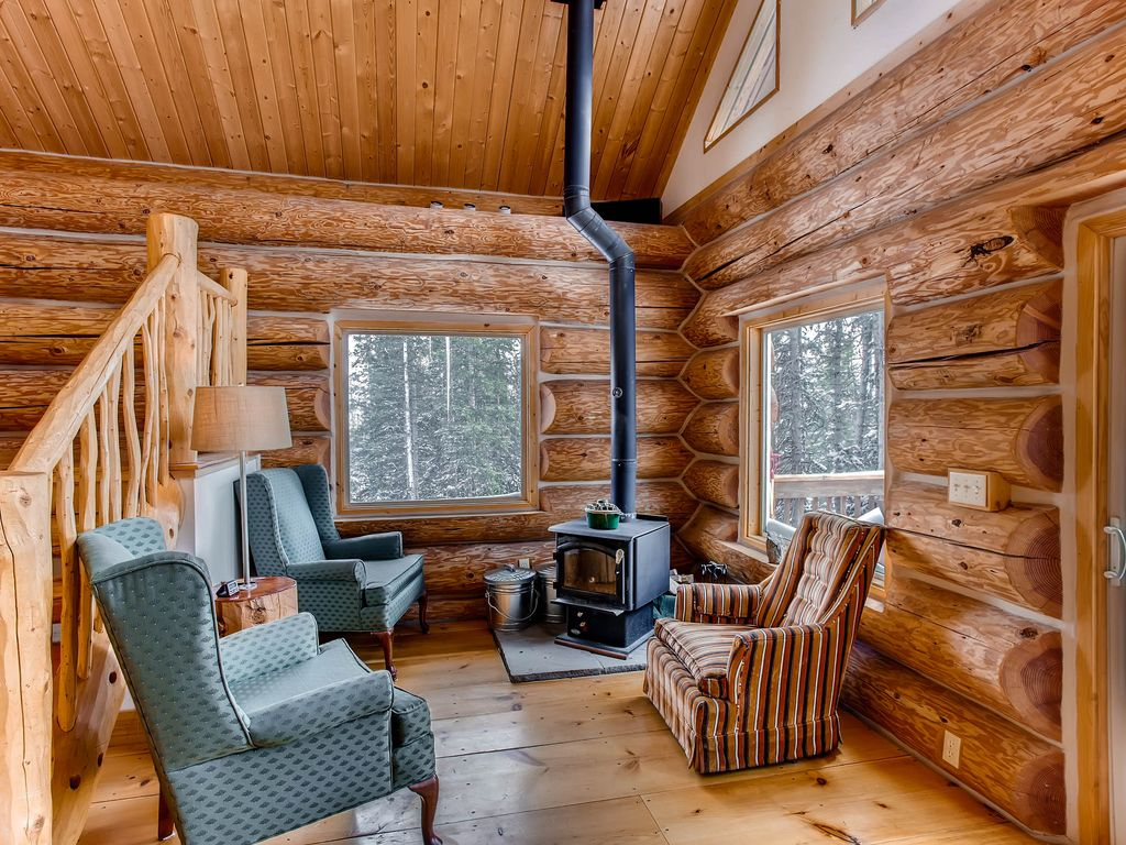 Ptarmigan lodge 3 bedrooms plus a loft darling secluded for 2 bedroom log cabin with loft