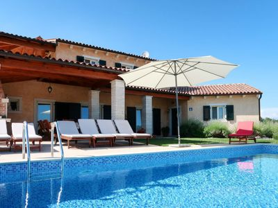 Photo for Vacation home Baretuni (LBN390) in Labin - 10 persons, 4 bedrooms
