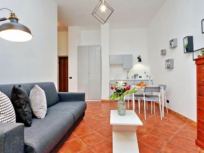 Photo for Cozy 1 bedroom apartment in the vibrant Monti district