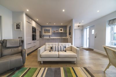 Open plan kitchen and sitting area