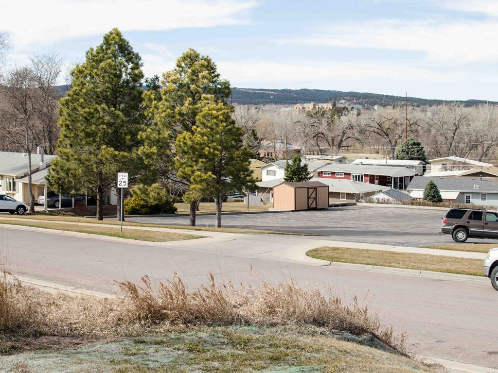 Perfect cabin getaway in the city black hills view rapid for Cabine black hills south dakota