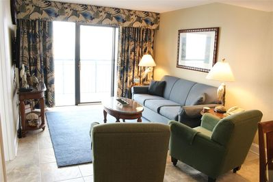 Living Room with Gorgeous View, plus 42' flat screen TV and DVD