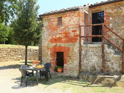 Photo for Apartment Ringhiera in Monte San Savino - 2 persons, 1 bedrooms