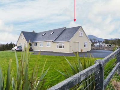Photo for CARROWCALLY HOUSE, pet friendly in Westport, County Mayo, Ref 903450