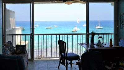 Photo for Kona Magic Sands #305. Direct Oceanfront top floor. Free WiFi & Air conditioning