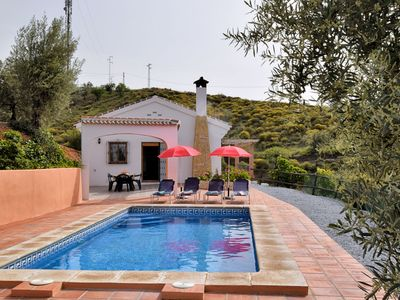 Photo for Stunning Cottage with Pool, Terrace, Garden, Sun-loungers