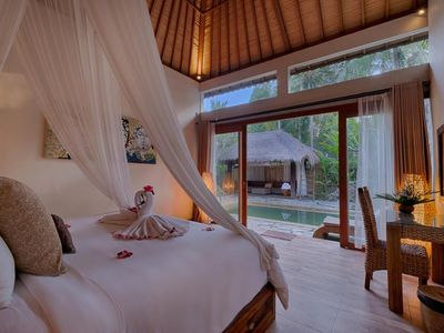 Photo for Luxury 2 Bedroom Private Pool Balinise Style inclusive breakfast