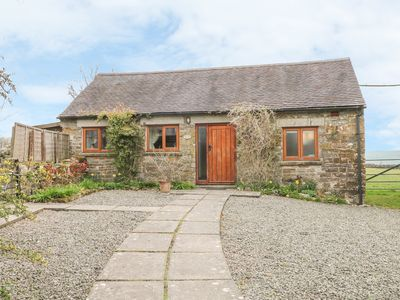 Photo for MANIFOLD COTTAGE, pet friendly, with a garden in Grindon, Ref 25541