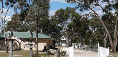 Photo for 5BR Cottage Vacation Rental in Glen Aplin, QLD