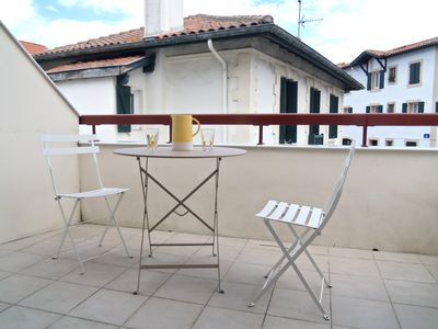 Photo for Bd Thiers, 50 meters from the beach and Thalasso, terrace, linen provided