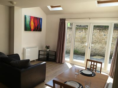Photo for Headington Oxford, an ENTIRE 2bed + TV& WiFi - Appartment