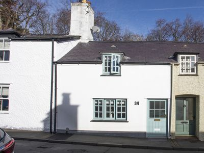 Photo for YR HAFAN, family friendly, with open fire in Beaumaris, Ref 1010972