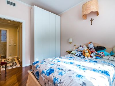 Photo for 4BR Apartment Vacation Rental in Kreis 2, ZH