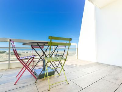 Photo for Beautiful 1 bedroom apartment on the seafront in the residence of Dolphins
