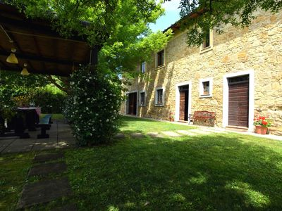 Photo for Private Villa with private pool, TV, balcony, washing machine, parking, close to San Gimignano