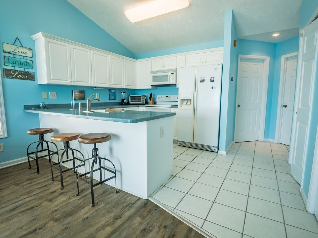 VACATION at this OCEANFRONT Paradise! - VRBO
