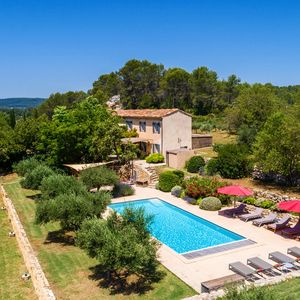 Photo for Charming, luxurious house in Cotignac for 10 p., 5 bedrooms, 3 bathrooms, pool.